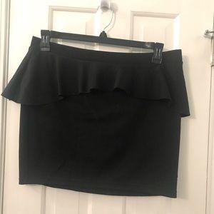 Ruffle peplum black mini skirt